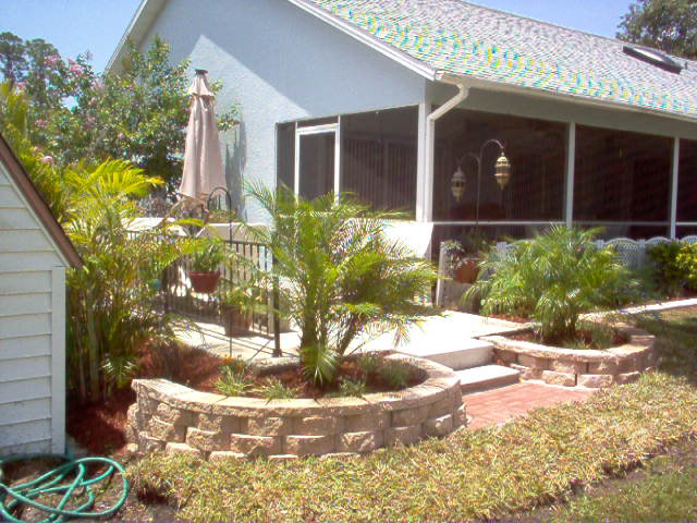 Finished landscape retaining wall project