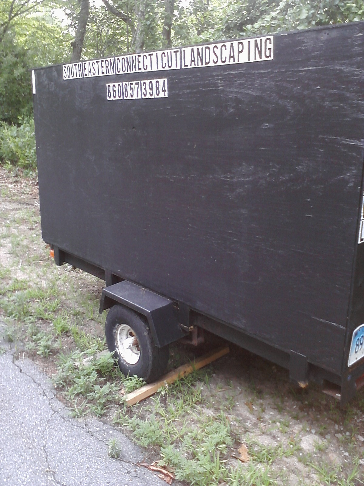Homemade lawn care trailer 1 lawn care business for Garden maintenance trailer